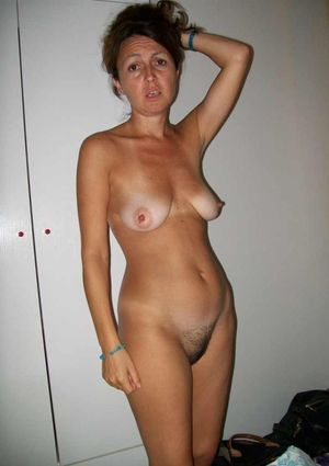See my nude wife! Real British wives..