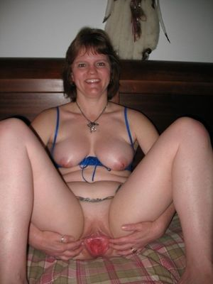 Look at my wife's pussy, nude photo..