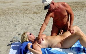 An elderly stranger massages the cunt..