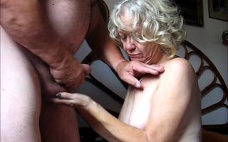 Old daddy cum in granny mouth