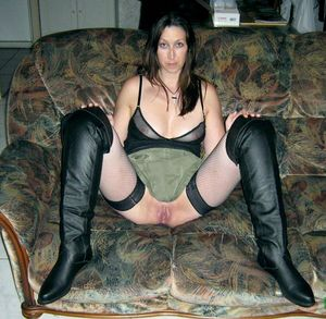 Brunette mature housewife without..