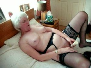 Flabby mature women showing old twats