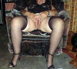 Mature BBWs in stockings nude pictures..
