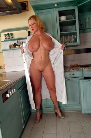 Sexy mature housewives with big..