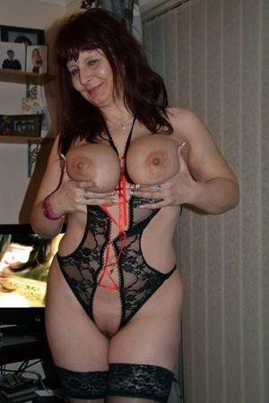 Curvy mature wife dressed in sexy..
