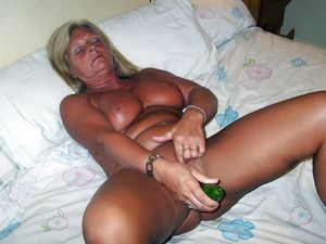 Sex-starved mature women stuffing..