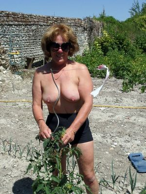 Busty mature housewife works in the..