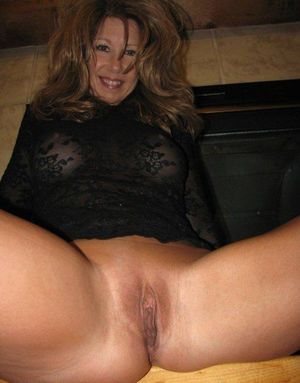 Horny mature GFs exposing their clits..