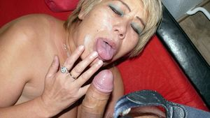 Facial cumshots from aged women sperm..