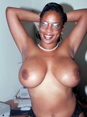 Sexy nude black women, they is hot and..