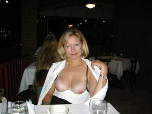 Mature women exhibitionists show..